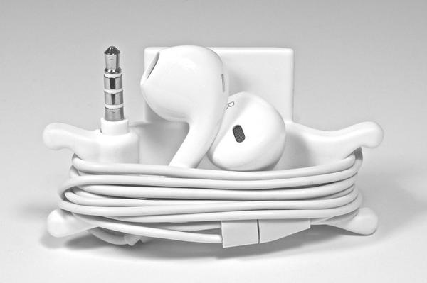 Smarter iPhone Stand and Cord Organizer