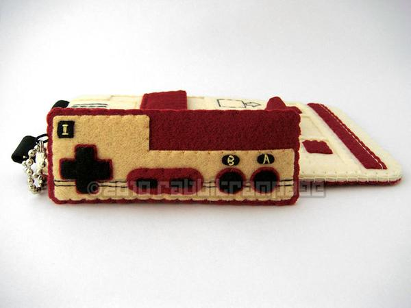 The Handmade Famicom Galaxy S3 Case