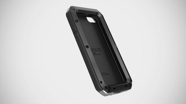 The TAKTIK STRIKE iPhone 5 Case