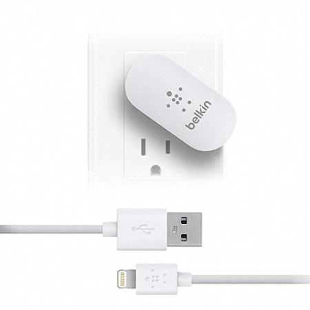 Belkin Swivel USB Wall Charger with Lightning Cable