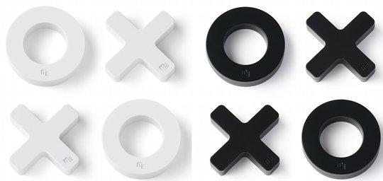 The Tic-tac-toe Styled Fridge Magnet Set