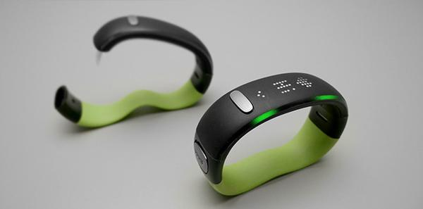 WMe Smart Wristband Focusing on Your Health