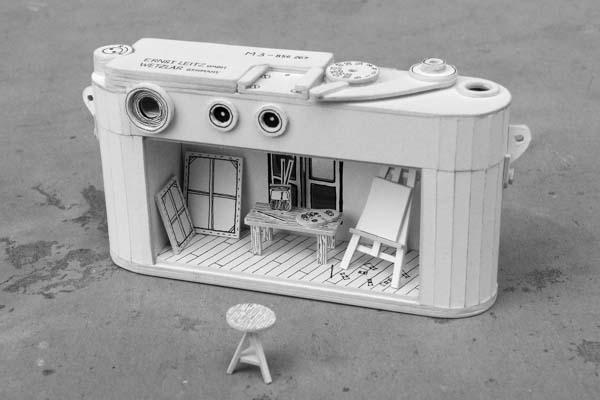 The Gadget Themed Paper Craft Shows the Unhealthy Relationship Between Human and Technology