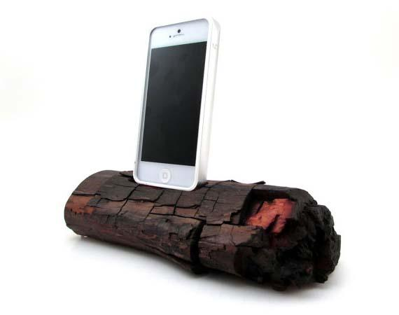 The Red Wood iPhone 5 Docking Station