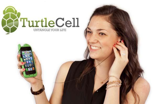 TurtleCell iPhone 5 Case with Retractable Headphones