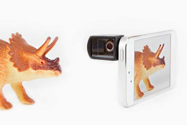 The Smartphone Spy Lens Feeds Your Passion for Phonegraphy
