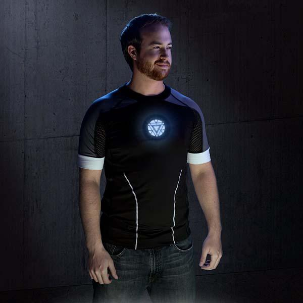 Iron Man 3 Deluxe Hero Light-Up LED T-Shirt