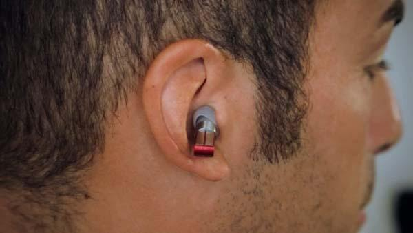 Split Music Player with Wireless Earbuds