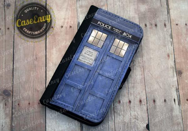 The Doctor Who TARDIS iPhone 5 Case