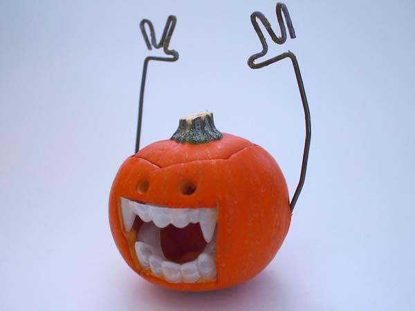 DIY Vampire Styled Halloween Pumpkins