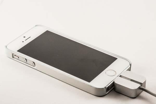 MikroDok Minimal Docking Station for iPhone