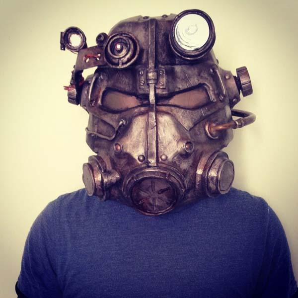 The Awesome Fallout 3 T-45d Helmet