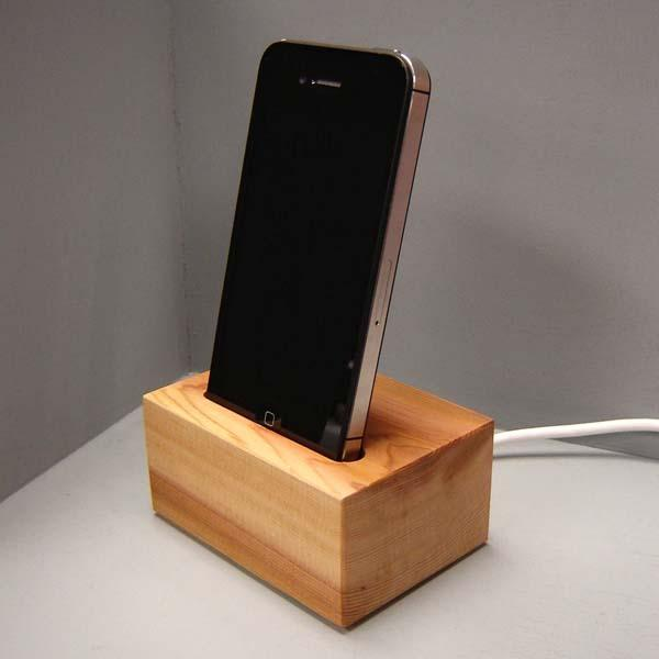 the handmade iphone docking station gadgetsin. Black Bedroom Furniture Sets. Home Design Ideas