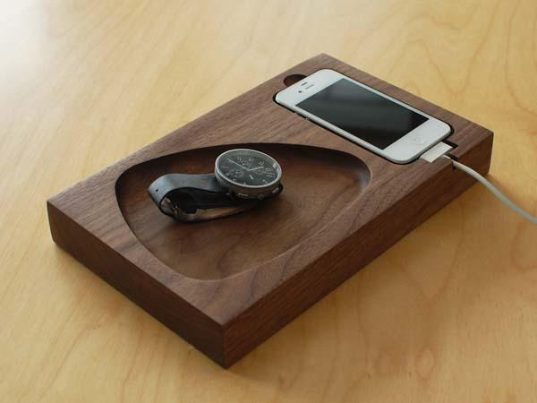 Tinsel & Timber iPhone Docking Station