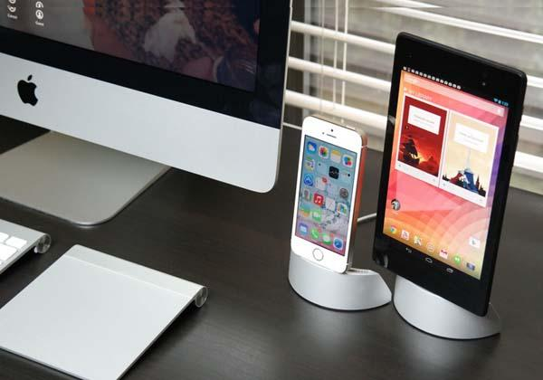 Arq Docking Station for Smartphones a