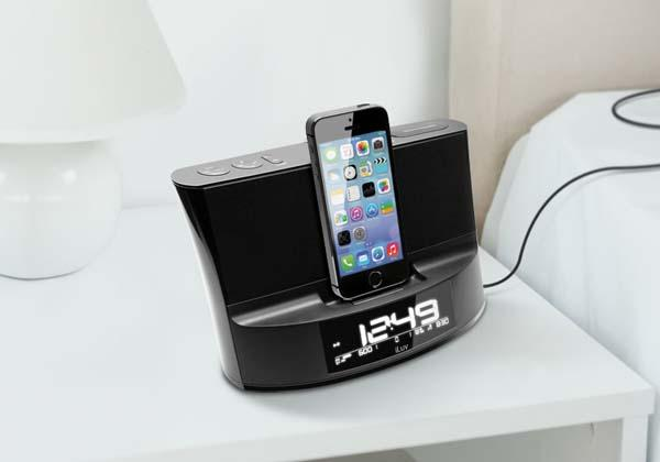 iLuv TimeShaker Dock Speaker with Dual Alarm Clock