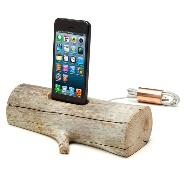 driftwood iphone docking station gadgetsin. Black Bedroom Furniture Sets. Home Design Ideas