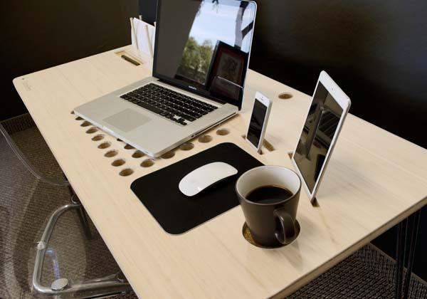 SlatePro Personal TechDesk Docking Station