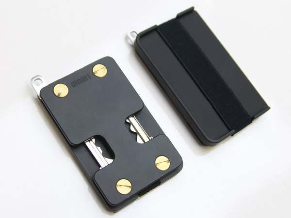 The Liquid Wallet with Key Holder