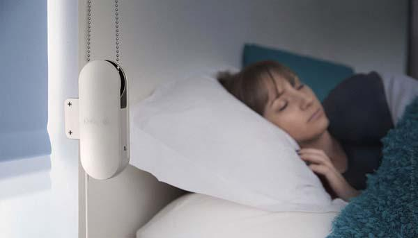 The Scroll Makes Your Roller Shade Smarter