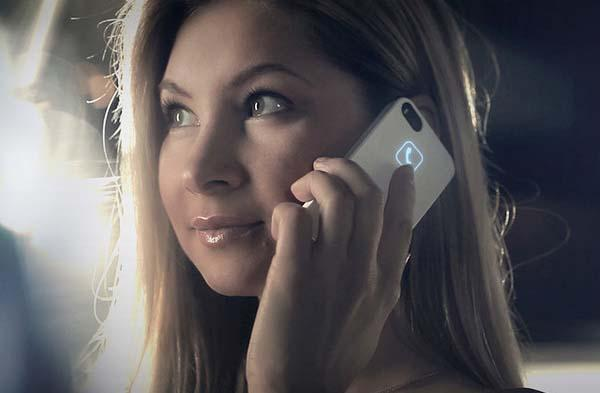 Lunecase iPhone 5s Case with Intelligent LEDs Powered by Electromagnetic Energy