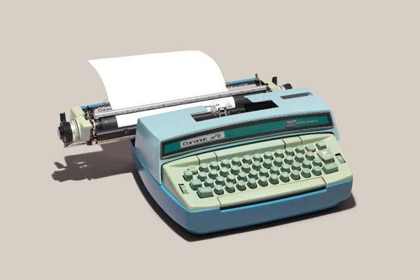 Relics Of Technology Shows Off Old School Gadgets Gadgetsin