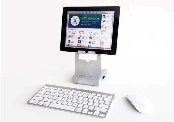 The Sphinx Docking Station Turns Tablet into Desktop Computer