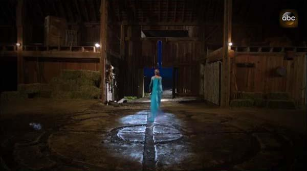 Elsa Comes to Once Upon a Time from Frozen