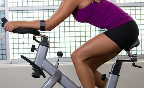 Scosche RHYTHM+ Armband Fitness Tracker