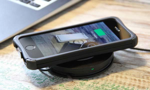 Theo Power Wireless Charger and Battery Case