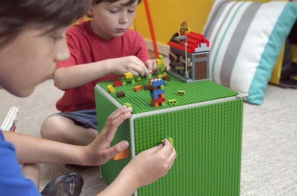 Cubie Storage Box with Six Brick Baseplates