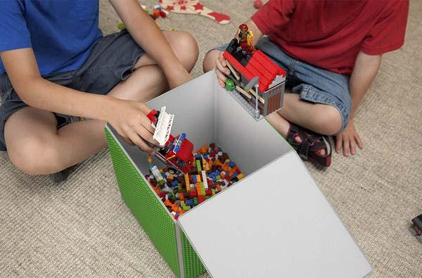 Cubie Storage Box with Six Brick Baseplates