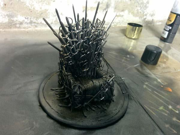 Make An Iron Throne for Your Cell Phone