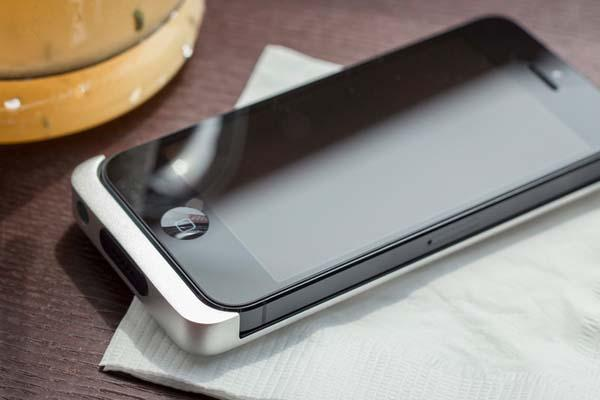 Cabin A Slim Aluminum Backup Battery for iPhone 5/5s