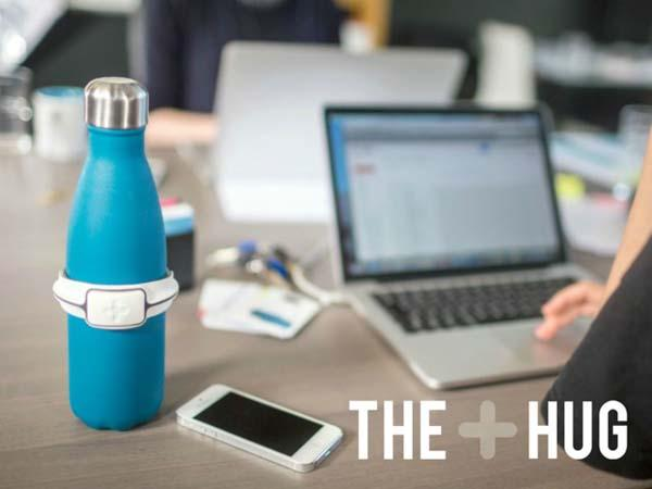 The Hug Smart Bottle Adapter Tracks Your Water Intake And