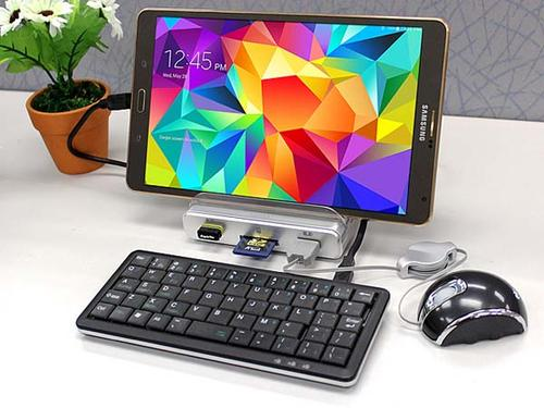 Unitek Y-3068 OTG Charging Station with Phone Stand and Card Reader