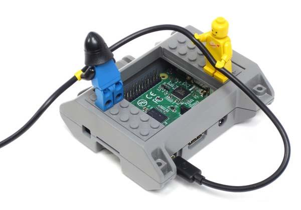 SmartiPi Raspberry Pi Case Compatible with LEGO Bricks