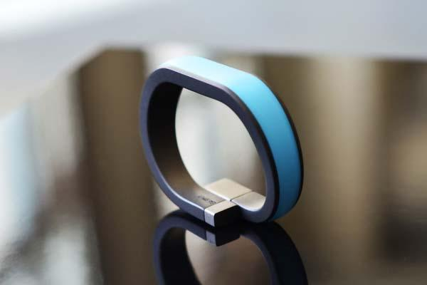 Everykey Smart Wristband Replaces Your Passwords and Keys