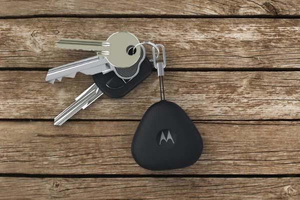 Motorola Keylink Helps Find Your Phone and Keys