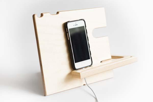 The Handmade Catchall Docking Station for Your iPhone and Apple Watch