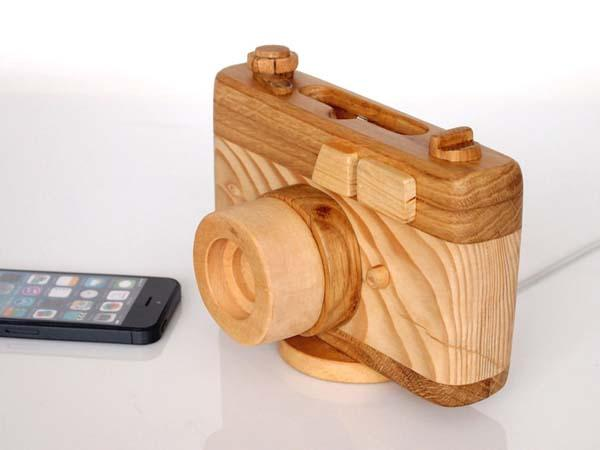 The Handmade Wooden Camer-Shaped Charging Station for iPhone