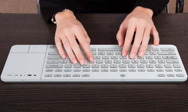 Jaasta Wireless Keyboard with E-Ink Keys