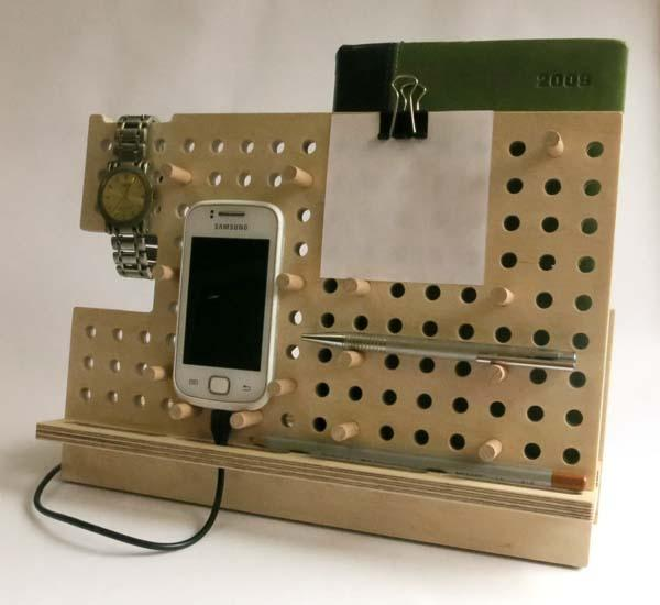 The Handmade Customizable Docking Station For Your Phone