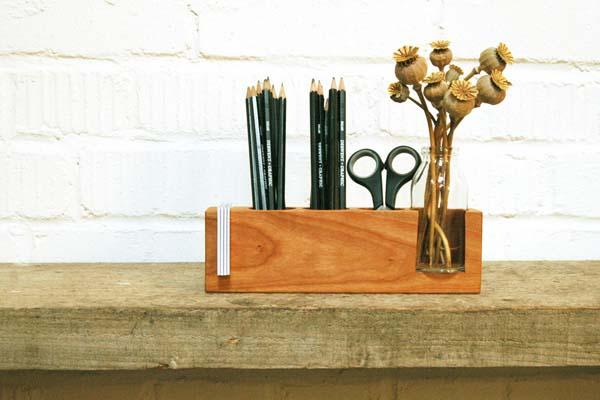 The Handmade Wooden Pen Holder Decorates Your Desk