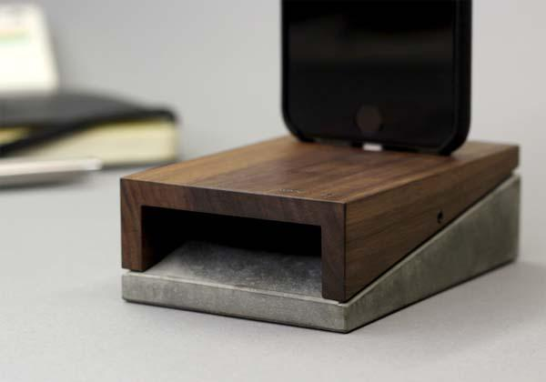 Woodup Mobi iPhone Charging Station