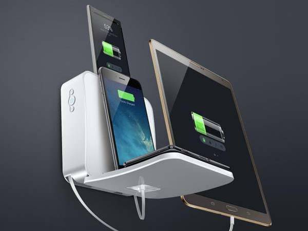 FlexCharger Charging Station with Wireless Charger and Retractable Cable