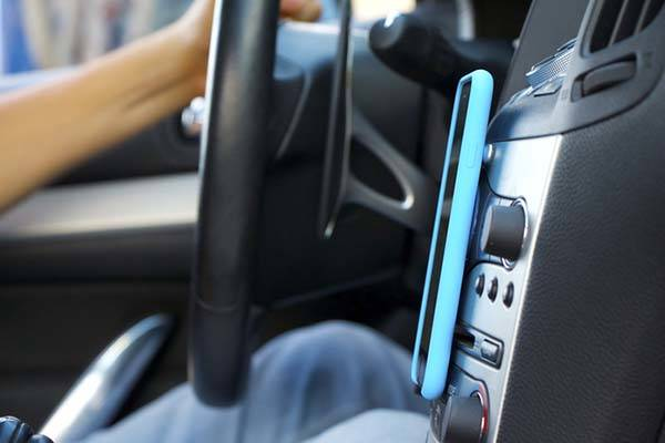 MagBak iPhone 6 Plus and iPhone 6 Cases with Integrated Car Mount