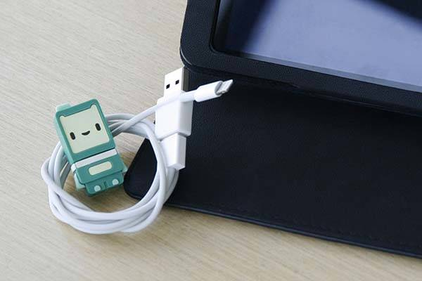 Ryo USB Adapter Makes USB Connector Reversible