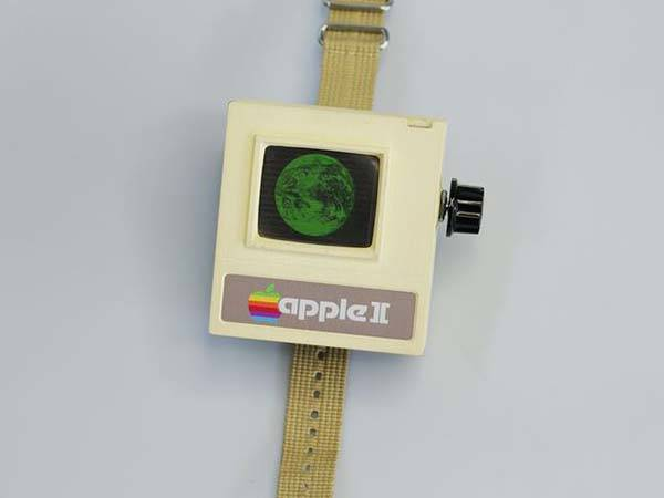 Make Your Own Apple II Watch by Yourself