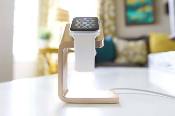 Duet Charging Station for Apple Watch and iPhone